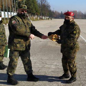 В Единния център за начална подготовка – Плевен връчиха удостоверенията на първия модул новоназначени войници