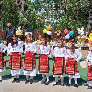 "Великденски базар отвори врати в НУ ""Патриарх Евтимий"" – Плевен"