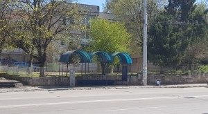 Ежедневно дезинфектират близо 100 спирки в Плевен заедно с тролеите