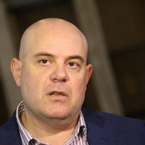 Иван Гешев: Не се съобразявам с българските политици