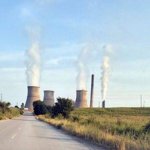 Кой ще плаща високите сметки за тока?