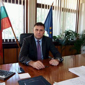 Мирослав Петров към здравните работници: Вие сте съвременните символи на достойнство, чест и храброст!