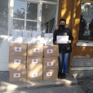 Община Левски раздаде на засегнати от епидемичната обстановка хранителни пакети, предоставени от БЧК