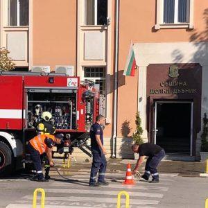 Учение за аварийно-спасителни дейности при земетресение се проведе в Долни Дъбник