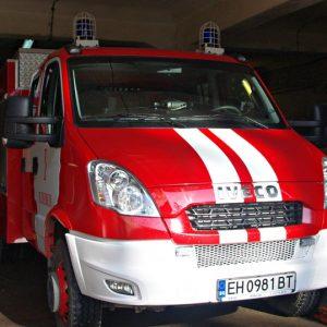 Автомобил се запали по време на движение при разклона за град Славяново