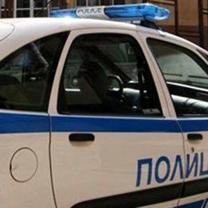 Купонджия нападна полицаи, предупредили го да спре музиката