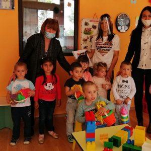 Подаръци получиха детските градини в община Червен бряг за 1 юни