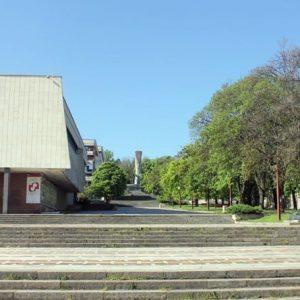 """Предстои пълно обновяване на бул. """"Скобелев"""", ще бъде укрепена и сградата на ХГ """"Илия Бешков"""""""