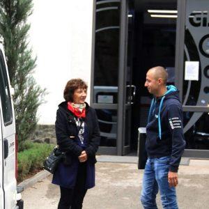 Фирма дари компютри на ученици в неравностойно положение от община Плевен